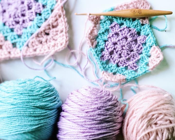 Adalyn Rose Afghan Block – Free CrochetPattern