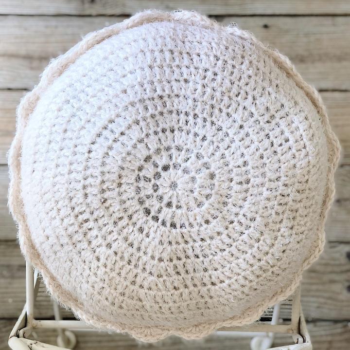 Hickory Ridge Pillow – Free CrochetPattern